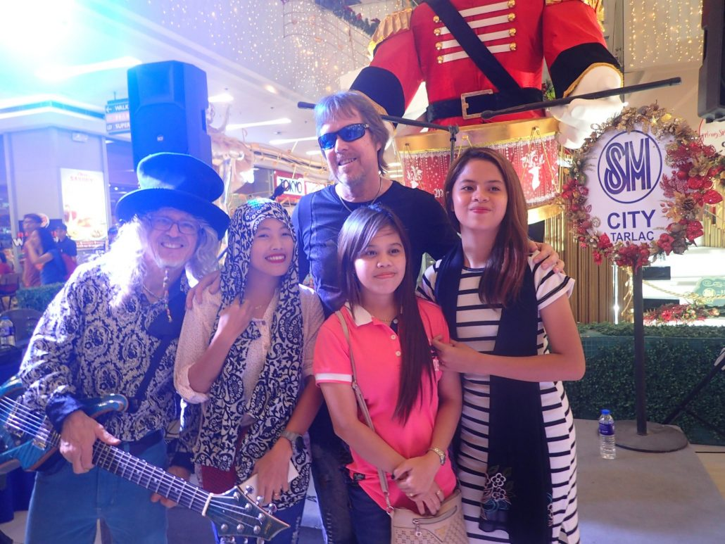2016-12-29 Two From Blue Post Show Tarlac (17)