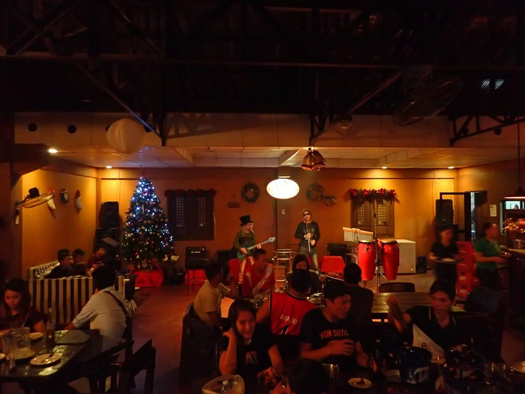 2016-12-30 Two From Blue in Tarlac City Philippines at Sitio Oriente (1)