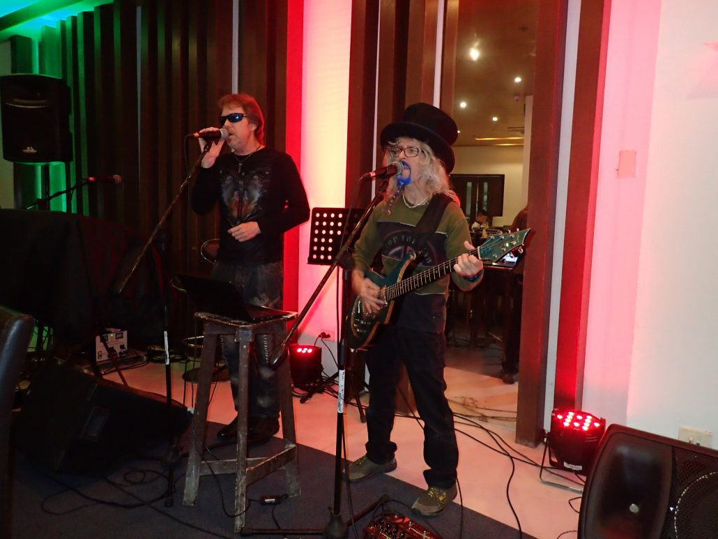 2017-01-21 Two From Blue in Calbayog Philippines at Ciriaco Hotel and Resort (2)
