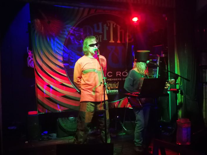 2019-01-30 Out Of The Blue Band at Bamboo Room Ojohchal Costa Rica (2)