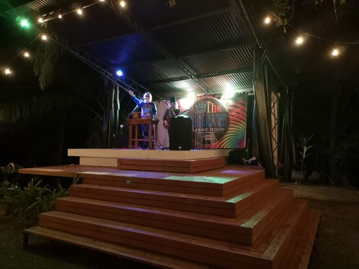 2019-02-02 Out Of The Blue Band at Beehive Uvita Costa Rica (11)