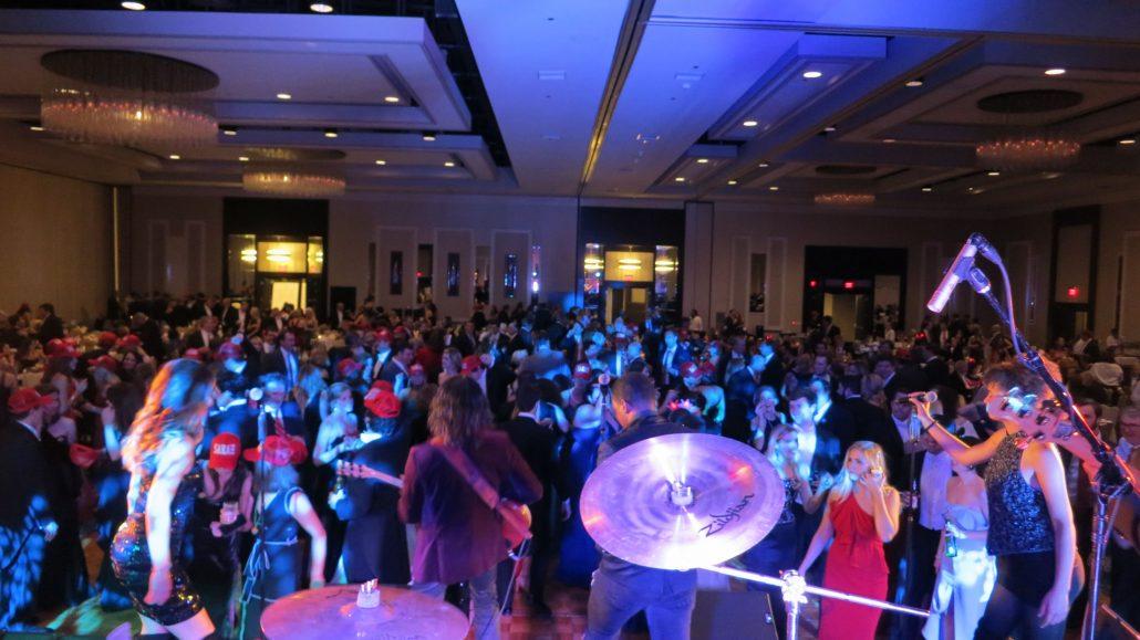 2019-02-15 Liquid Blue Band in New Orleans LA at Hyatt Regency (5)
