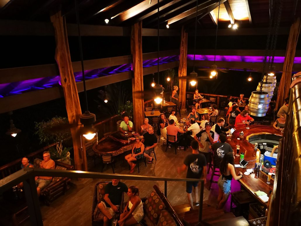 2019-02-22 Out Of The Blue Band at Fuego Brew Co Dominical Costa Rica (11)