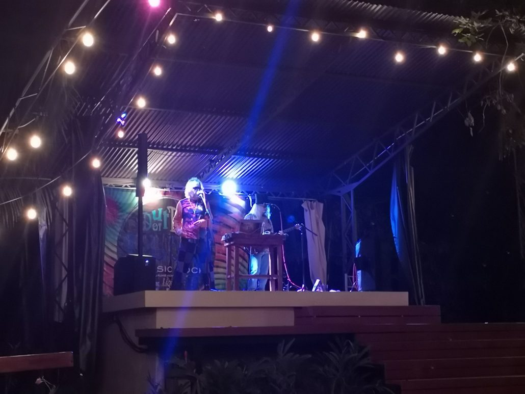 2019-02-23 Out Of The Blue Band at Beehive Uvita Costa Rica (4)