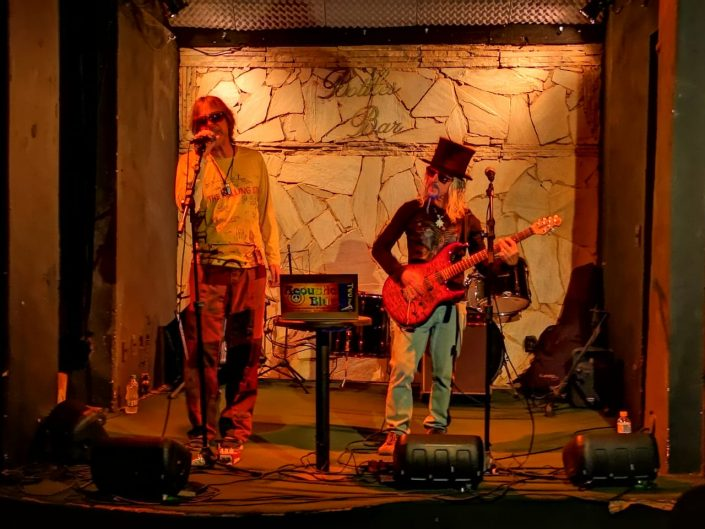 2019-03-12 Out Of The Blue at Beco Das Garrafas Copacabana Rio Brazil (10)