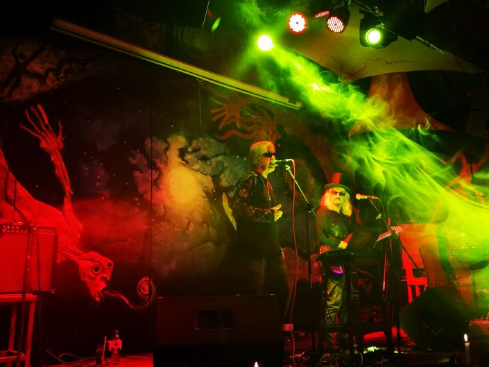 2019-03-20 Out Of The Blue at Ukukus Bar Cusco Peru (1)