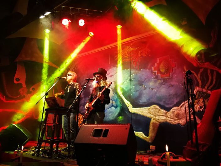 2019-03-20 Out Of The Blue at Ukukus Bar Cusco Peru (34)