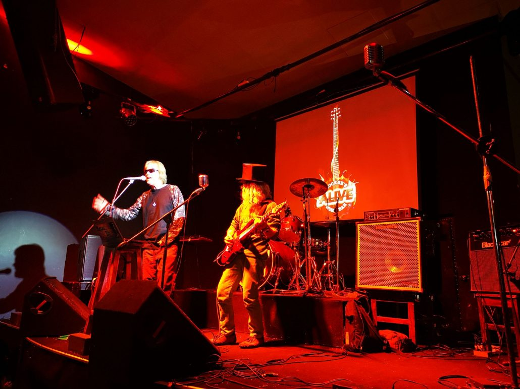 2019-03-23 Out Of The Blue at Alive Music Bar LaPaz Bolivia (2)