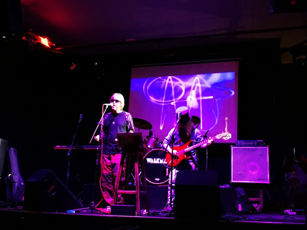 2019-03-23 Out Of The Blue at Alive Music Bar LaPaz Bolivia (70)