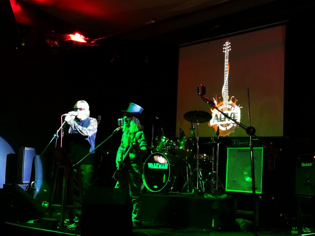 2019-03-23 Out Of The Blue at Alive Music Bar LaPaz Bolivia (73)