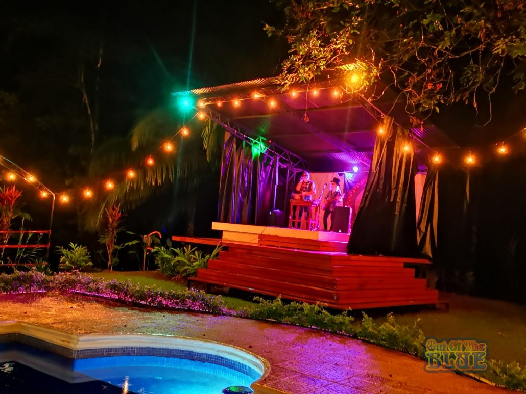 2019-01-11 Out Of The Blue at Beehive Uvita Costa Rica (18)