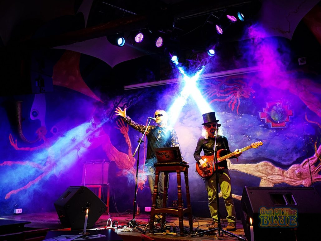 2019-03-20 Out Of The Blue at Ukukus Bar Cusco Peru (20)