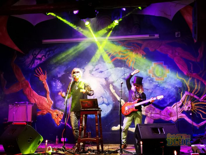 2019-03-20 Out Of The Blue at Ukukus Bar Cusco Peru (24)