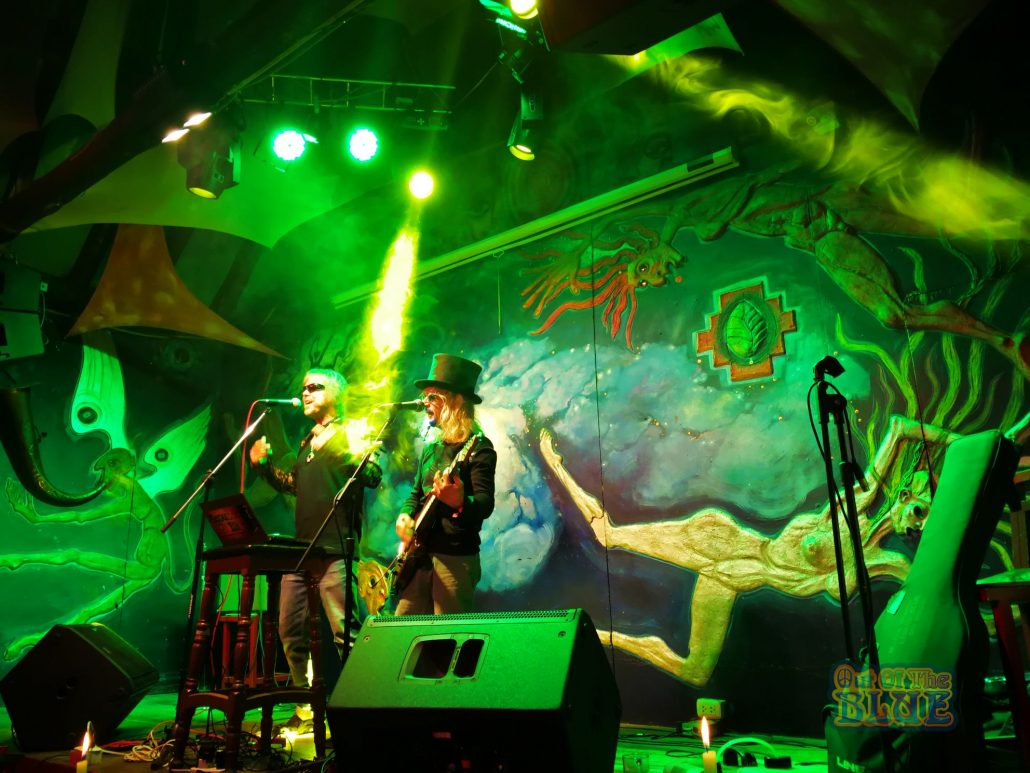 2019-03-20 Out Of The Blue at Ukukus Bar Cusco Peru (35)