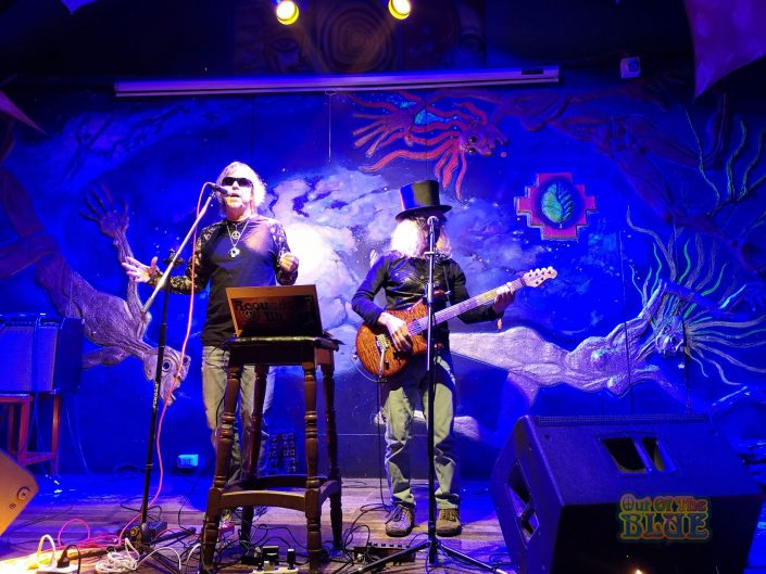 2019-03-20 Out Of The Blue at Ukukus Bar Cusco Peru (4)