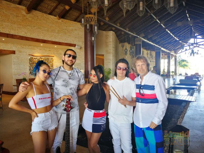 2019-04-26 Liquid Blue Band in Cap Cana Dominican Republic PSM (10)