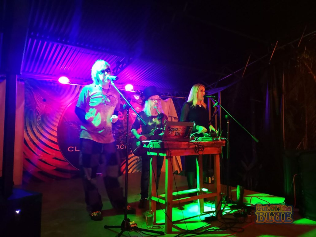 2019-05-11 Out of the Blue at Beehive Restaurant Uvita Costa Rica (10)