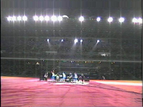 2002-09-13 Dalian Stadium Live (2)